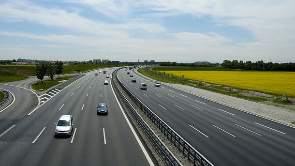 В Україні хочуть побудувати дві платні дороги. Фото: te.20minut.ua