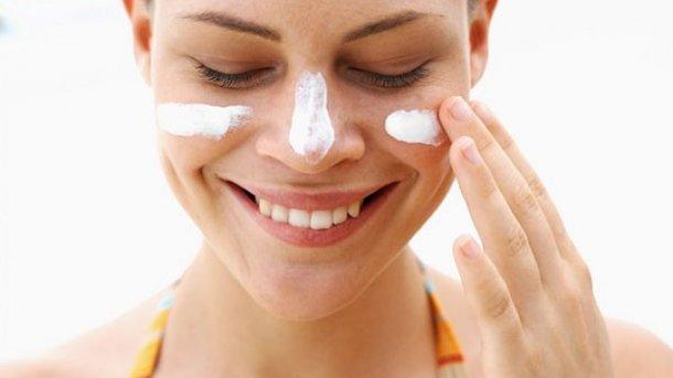 В теплое время года важно защищать кожу от солнца. Фото: likar.info