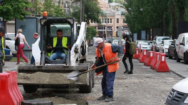 В Киеве частично ограничат движение транспорта на улицах Протасов Яр и Дарвина