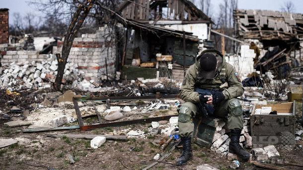 Военные разрушают дома крымчан. Фото: AFP