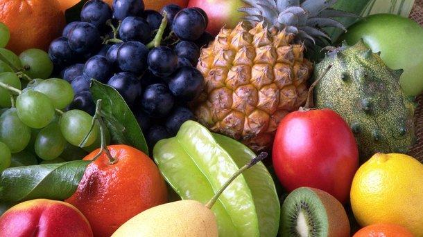 До найбільш низькокалорійних продуктів відносяться: слива, огірки, томати, гарбуз і шпинат.Фото: pixabay.com