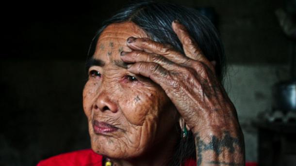 100-летняя татуировщица. Фото: instagram