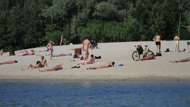 них уступают пляжные фотографии из киевского гидропарка там хорошо, трава