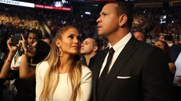 Дженнифер Лопес с женихом. Фото: AFP