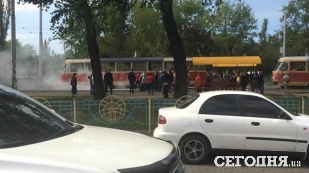 Из трамвая эвакуировали пассажиров