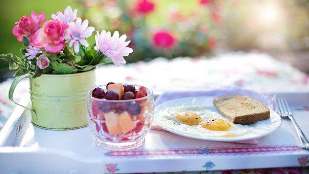 Завтракать полезно овсянкой. Фото: pixabay.com