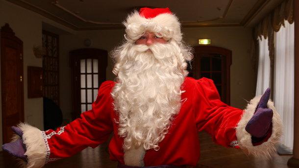 Пора надягати шубу. Крім Діда Мороза, зріс попит на святих Миколаїв і Сант