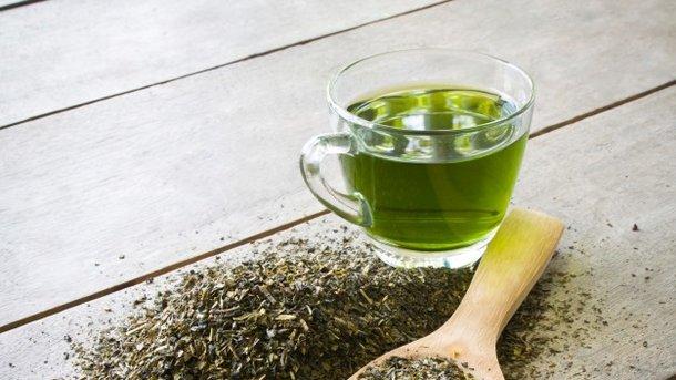 Зеленый чай улучшает работу мозга Фото: zirconicusso / Freepik