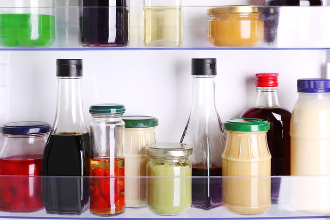 Многие соусы желательно держать в холодильнике Фото: depositphotos.com