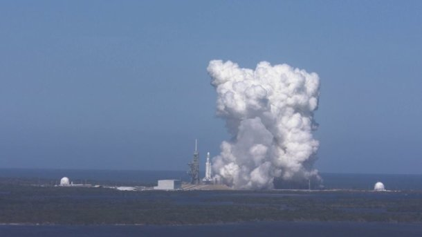 Испытания ракеты Falcon Heavy. Фото: twitter.com/elonmusk