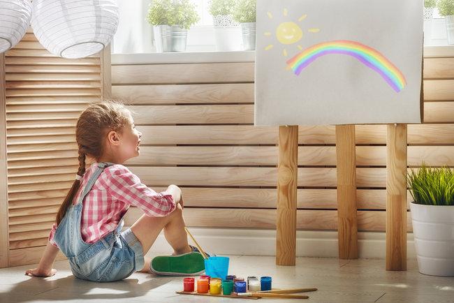 Психолог розповіла, що означають малюнки дітей | СЬОГОДНІ