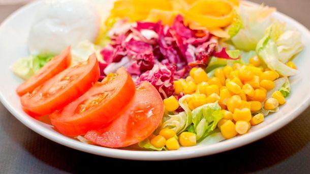 Весенний салат из капусты Фото: Getty