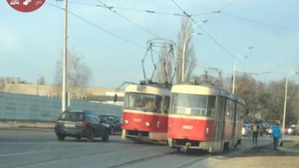 Трамваи остановились. Фото: facebook.com/KyivOperativ