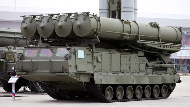Пусковая установка 9А83 зенитной ракетной системы С-300/ Фото: Vitaly V. Kuzmin / Wkipedia