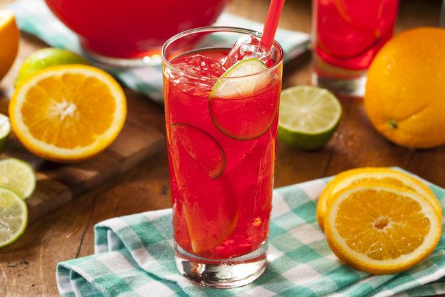 Какой сок самый полезный, правила приготовления и применения