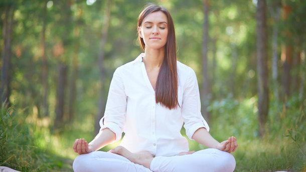 Медитация улучшает настроение Фото: freepik.com