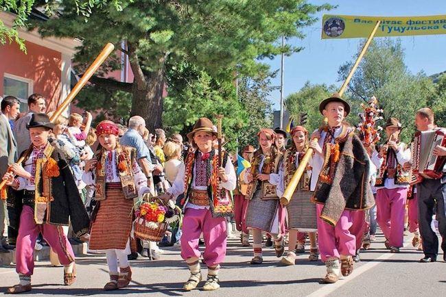 В Яремче пройдет Международный гуцульский фестиваль. Фото: Zruchno.Travel