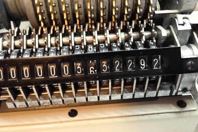 Недопустимая операция привела к сбою в работе калькулятора. Фото: neoteo.com
