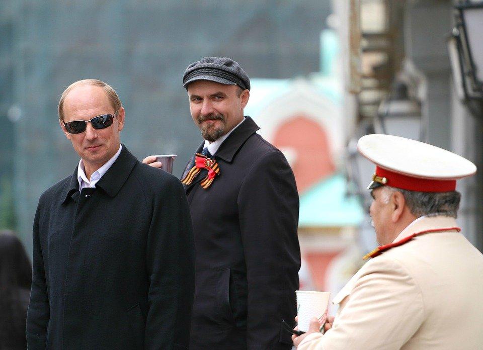Футбольные фанаты выбросили «Ленина». Фото: pixabay