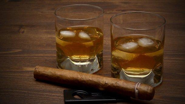 Цены на алкоголь и сигареты растут каждый месяц. Фото: pixabay.com