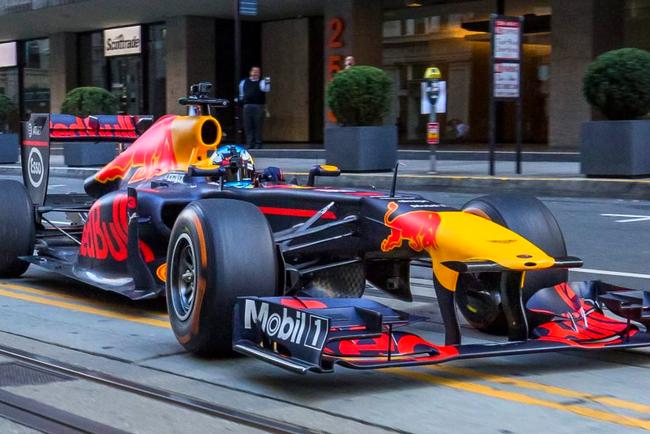 "Команда ""Формулы-1"" разрушила миф о болиде. Фото: carscoops.com"