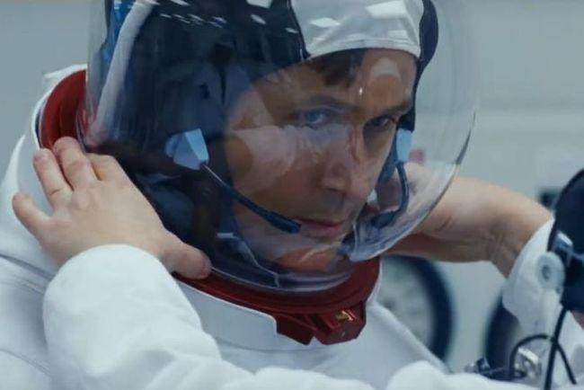 """Кадр из фильма """"Человек на Луне"""""""