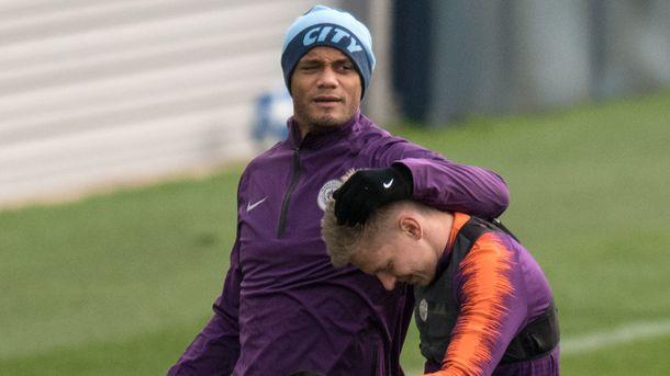 """Венсан Компани и Александр Зинченко на тренировке """"Манчестер Сити"""". Фото AFP"""