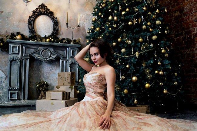 Правильно подберите новогодний наряд и место для елки. Фото: pixabay