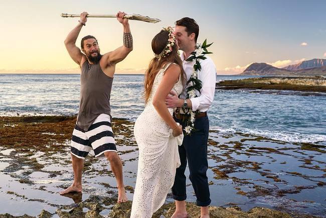 Джейсон Момоа попал на кадры свадебной фотосессии. Фото: instagram.com/ericlm/