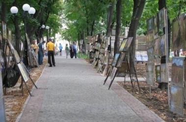 Покупателей картин практически нет, фото И. Кондаковой
