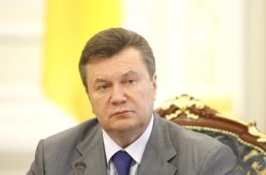 Янукович уволил с военной службы генералов Маломужа и Кихтенко, фото с сайта president.gov.ua