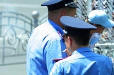 Одновременно на каждом избирательном участке будет находиться не менее 2 сотрудников милиции, фото с сайта libymax.ru
