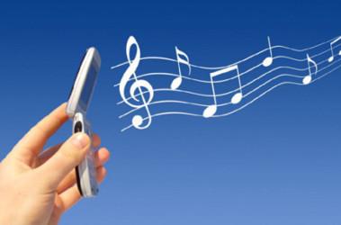 На мобильники качают те мелодии, которые популярны и на радио