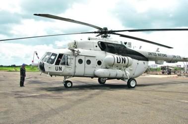 С ОО Новской раскраской. Неприхотливым трудягам-вертолетам Ми-8 военные дают уменьшительные прозвища — «Васька», «Ласточка». Фото: А.Ильченко