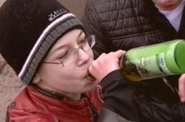 Украина занимает первое место по детскому алкоголизму