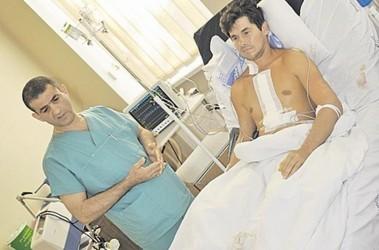 После операции. Михаил Ярец пойдет гулять уже сегодня. Фото А. Лохвицкого