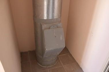 Бригинец заварил мусоропровод