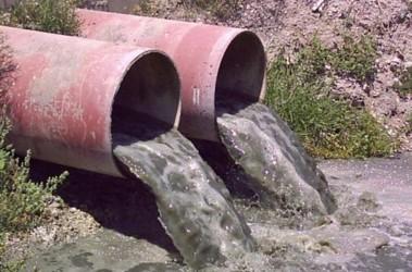 По словам эколога, наиболее некачественная вода в в сельской местности