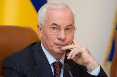 Азаров не собирается в отставку, фото азаров investgazeta