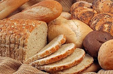 Киевская власть говорит, что не разрешила пересмотреть цены на хлеб. Фото:cit.ua