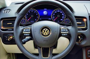 Volkswagen въехал в дом. Фото: darauto.com.ua