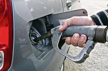 Заливай! Через год авто можно будет заправить только экологичным топливом со спиртом