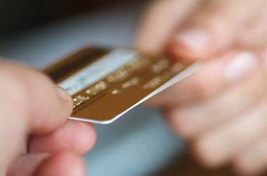 Мошенники воруют деньги с карточек. Фото: sibnovosti.ru