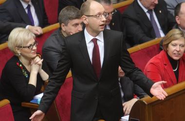 Яценюк теряет депутатов