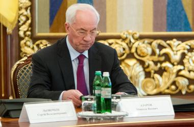 Азаров скорбит. Фото пресс-службы президента Украины