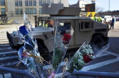 Вовремя теракта вБостоне сразницей в12 секунд сработали две самодельные бомбы, фото AFP