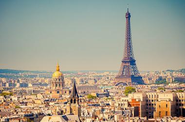 В Париже ранили военнослужащего