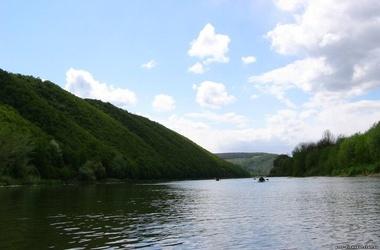 На реке Днестр утонули две 15-летних девочки. Фото: webmandry.com