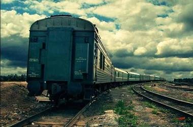 Поезд сбился с пути. Фото: 062.ua