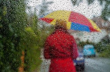 Украину по-прежнему заливает дождями. Фото: AFP